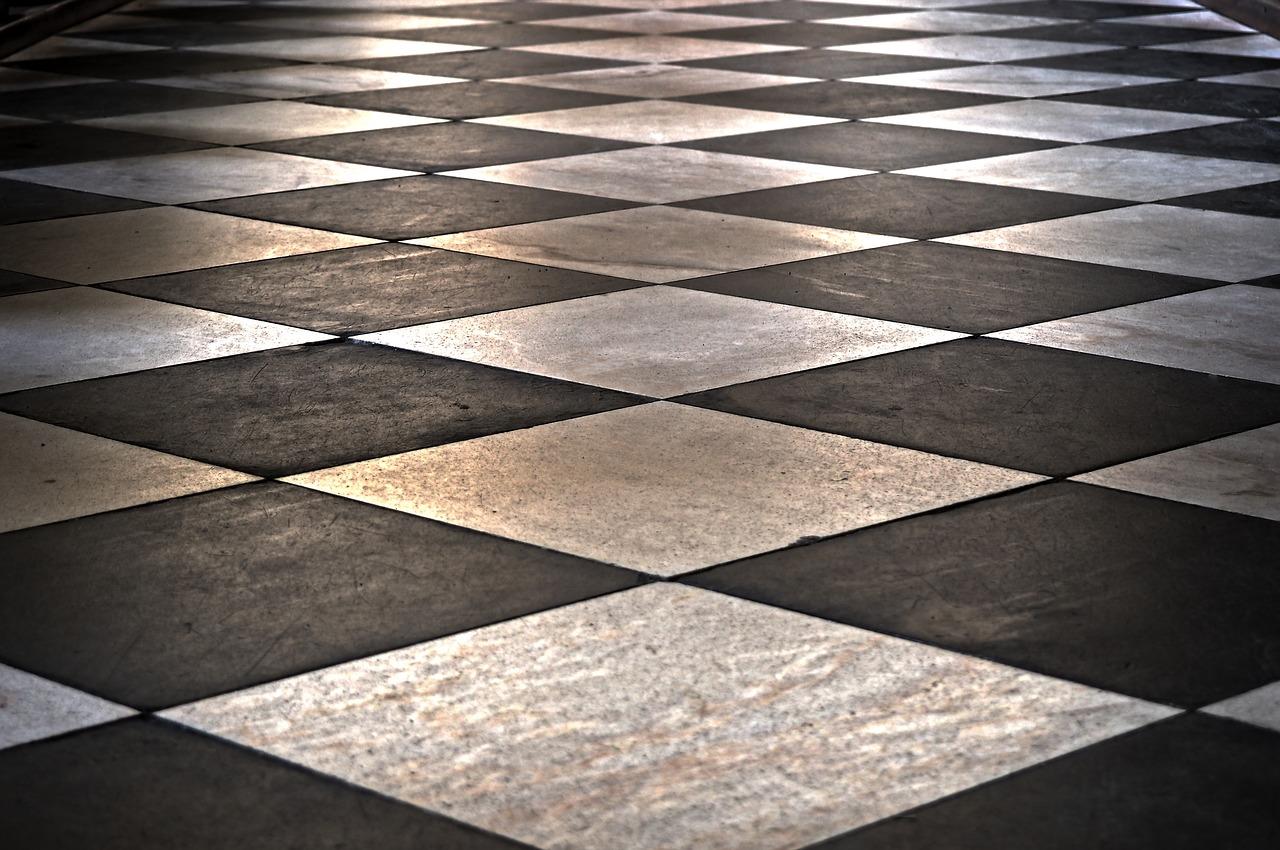 Een veilige natuursteen vloer met antislip behandeling